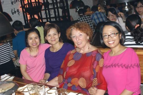 Femmes vietnamiennes et française
