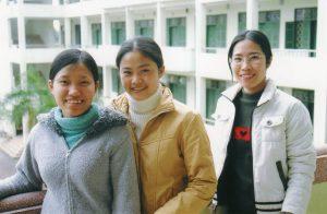 Etudiantes de 1ère année : Thuy, Duyen et Huê