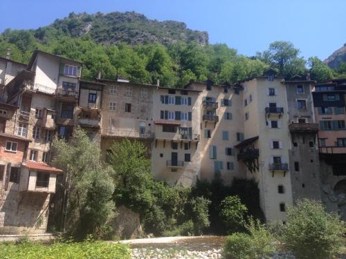 Maisons suspendues à Pont-en-Royans
