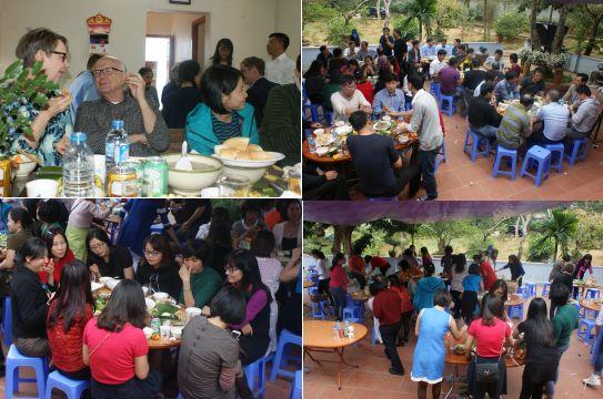 Le déjeuner a lieu dans la propriété du Recteur