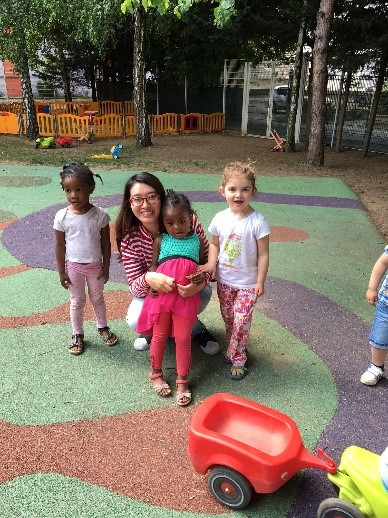 Huong - Jeux avec les enfants à Choisy-le-Roy