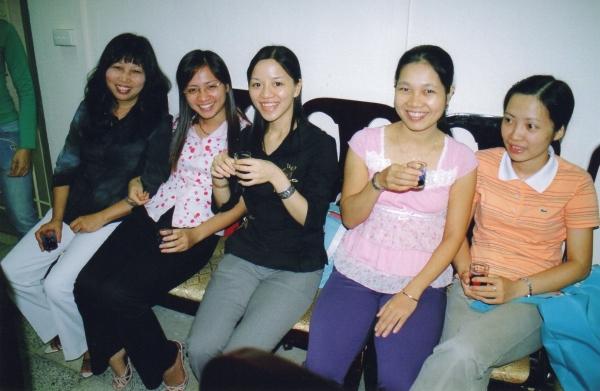 Binh, Lan Phuong , Giang, Canh Linh et Kim , professeures