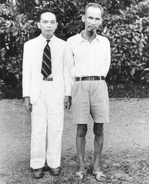 Ciel rouge - Võ Nguyên Giáp et Hô Chi Minh