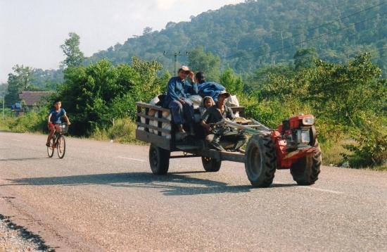 Laos - Tracteur