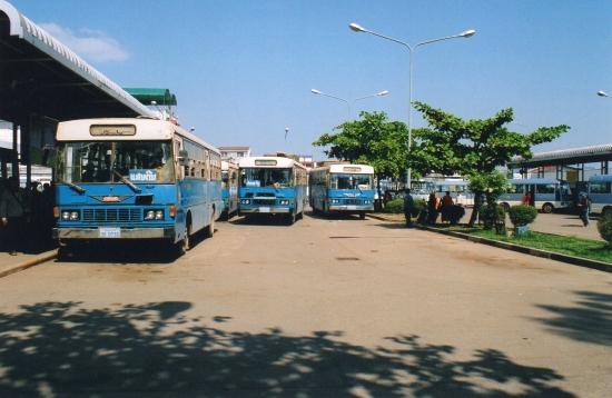 Laos - Gare routière du Talat Sao