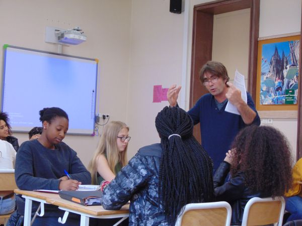 Au lycée Voltaire