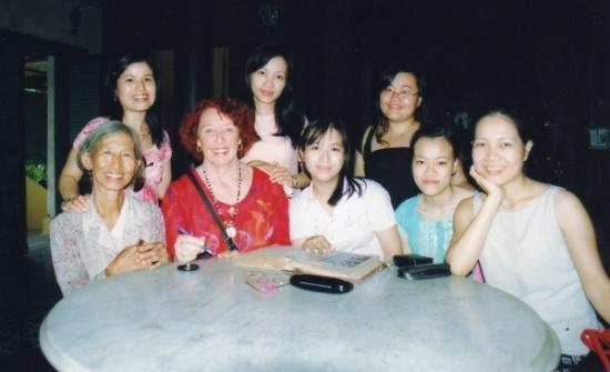 Lien, Régine et les jeunes femmes