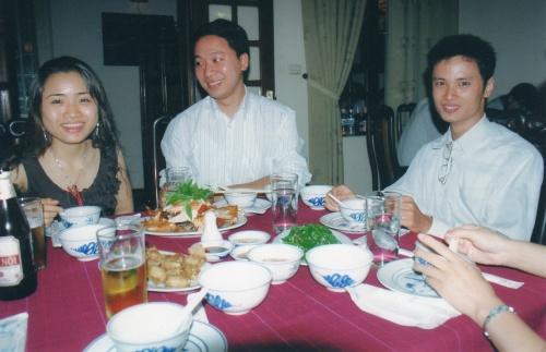 Hoai, le regard admiratif de Son et Tân