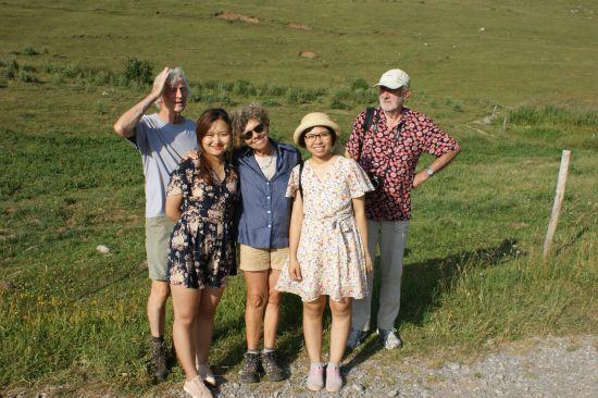 Avec Christian et Linda (en bleu), Anh Tu et Jean-Claude
