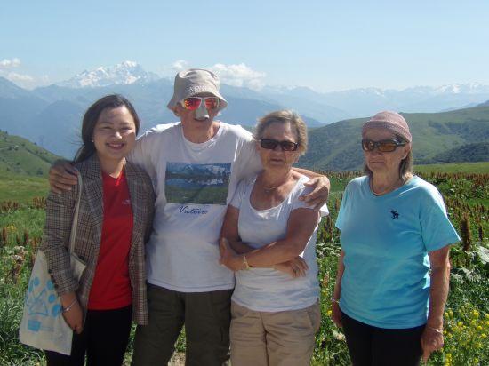 Maurice et ses lunettes très « particulières » devant le Mont-Blanc