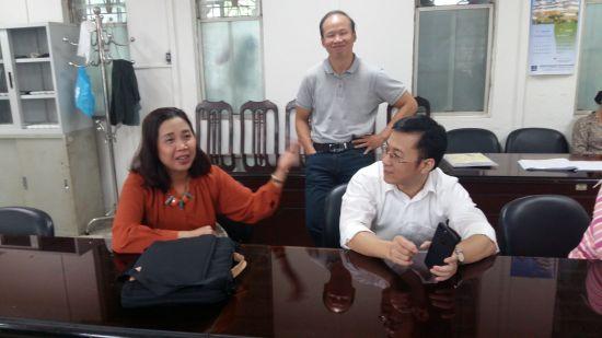 Thu Ha 77, Viet Quang et un collègue de chinois