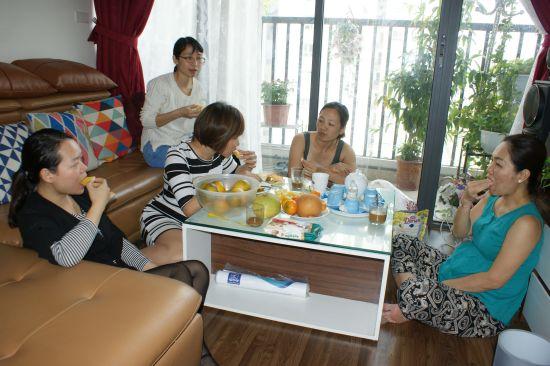 Canh Linh me prépare un café filtre que je déguste avec délice