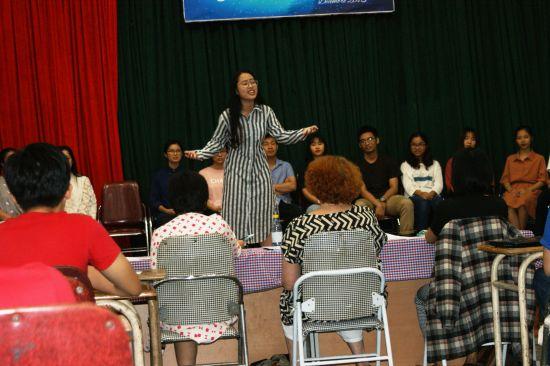 Thao Nguyen pleine de fougue pour dire Cet amour de Prévert