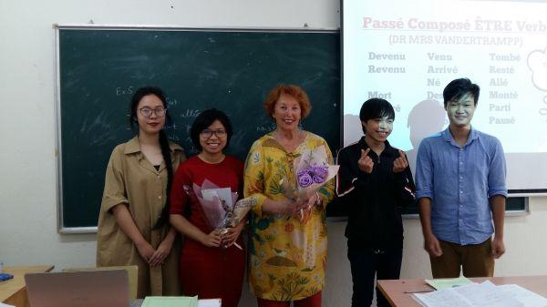 18 octobre – 1AF3 - A deux jours de la fête des Femmes vietnamiennes,