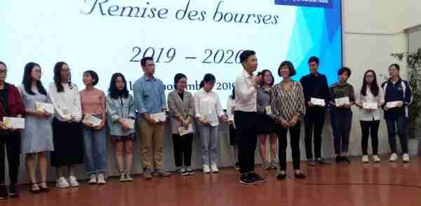Trung prend la parole en direct pour remercier l'AAFV et sa présidente. Bravo !