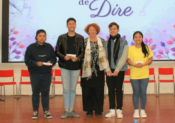 Les lauréat.e.s de 2ème année : Bang comme assommée de ce qui lui arrive, Phong, Hoang Nam et Huong tout sourire