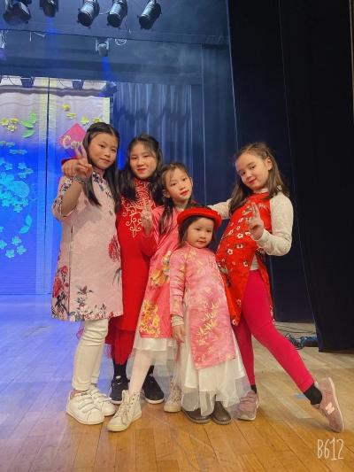 Jeunes filles en fleurs
