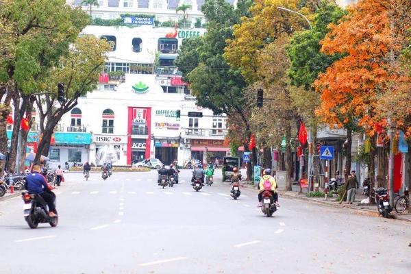 Une plaisanterie qui circule en ce moment à Hanoï c'est le Têt qui n'en finit plus