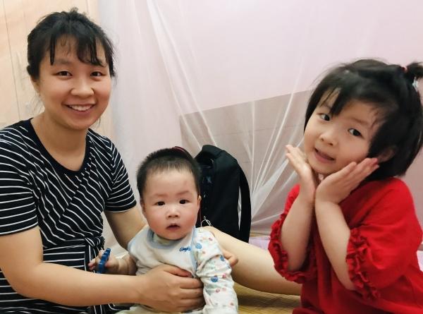 Tu Linh, son fils et sa fille qui ressemble tellement à sa maman !