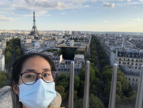 « Le masque obligatoire même à l'extérieur et en altitude, à Montmartre! »