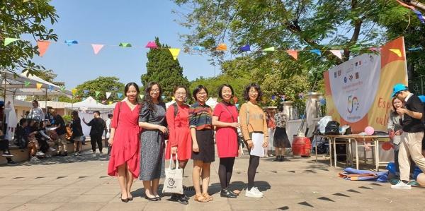 D'autres professeures de français: Yen 2016, Bao Nhung, Thuy Lise 2018, Anh Tu 2014, Thuy Linh et Tu Linh 2015