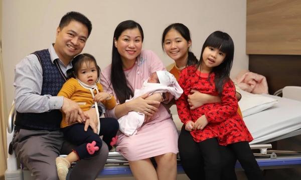 Le 25 décembre est née la quatrième fille de Hoai Anh et Hieu