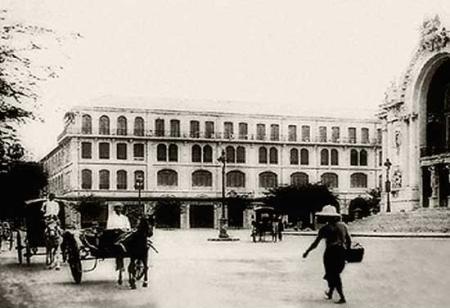 Jacques de Miribel - Saigon la Rouge - Hôtel Continental à Saïgon