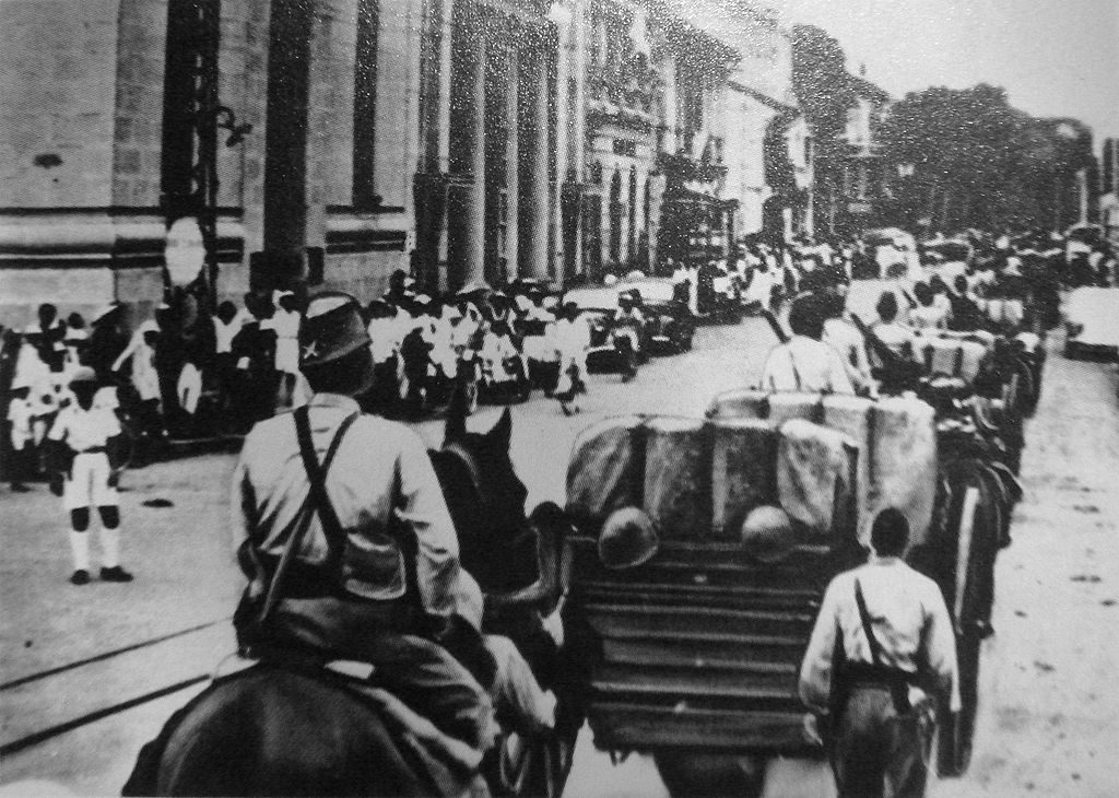 Jacques de Miribel - Saigon la Rouge - Les troupes japonaises entrent à Saigon en 1941